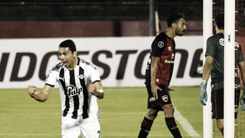 Dura derrota de Newell's ante Libertad de Paraguay