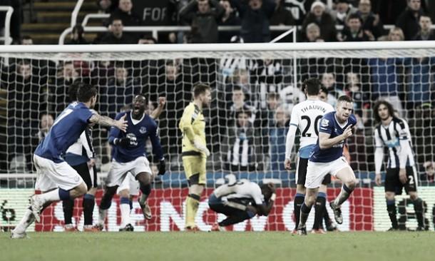 Cleverley al 93', l'Everton vince allo scadere una partita intensa e ricca di occasioni. Newcastle beffato