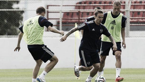 Dzagoev, Glushakov e Kombarov não participam de treinamento e preocupam Capello