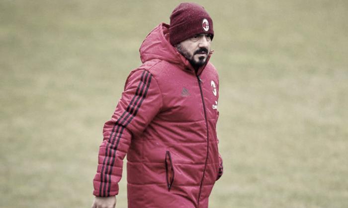 I tifosi rossoneri sperano nella rinascita del Milan, ma non s'illudono