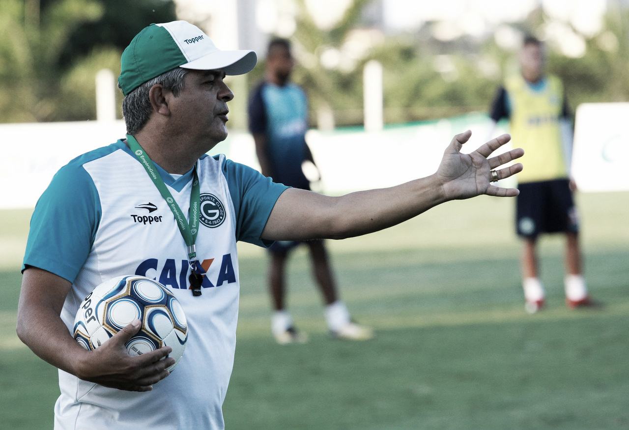 Paysandu enfrenta Goiás em duelo de opostos pela Série B