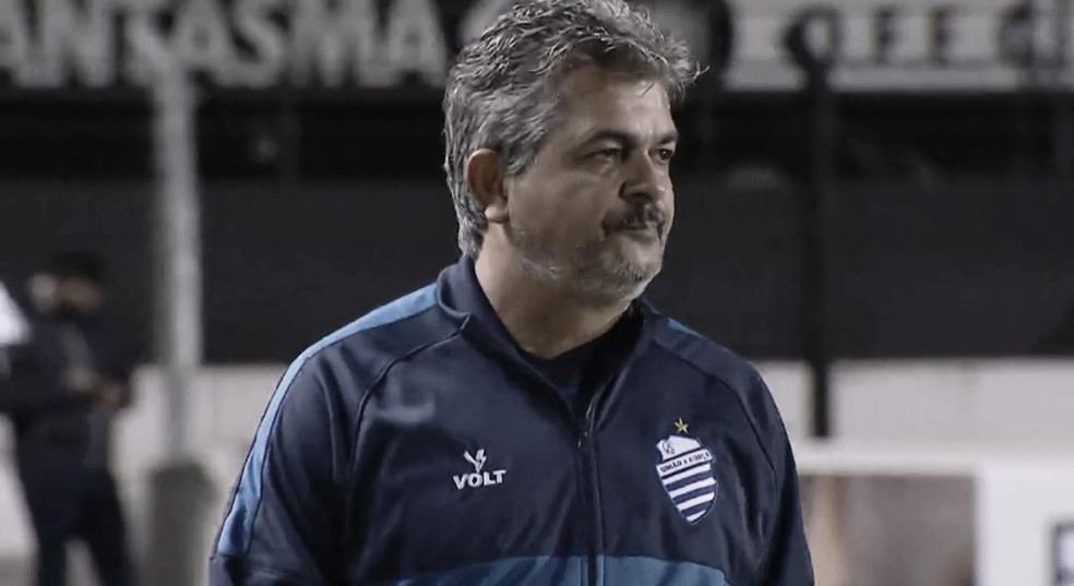 Ney Franco detecta necessidade de melhora no setor ofensivo após empate do CSA com Avaí