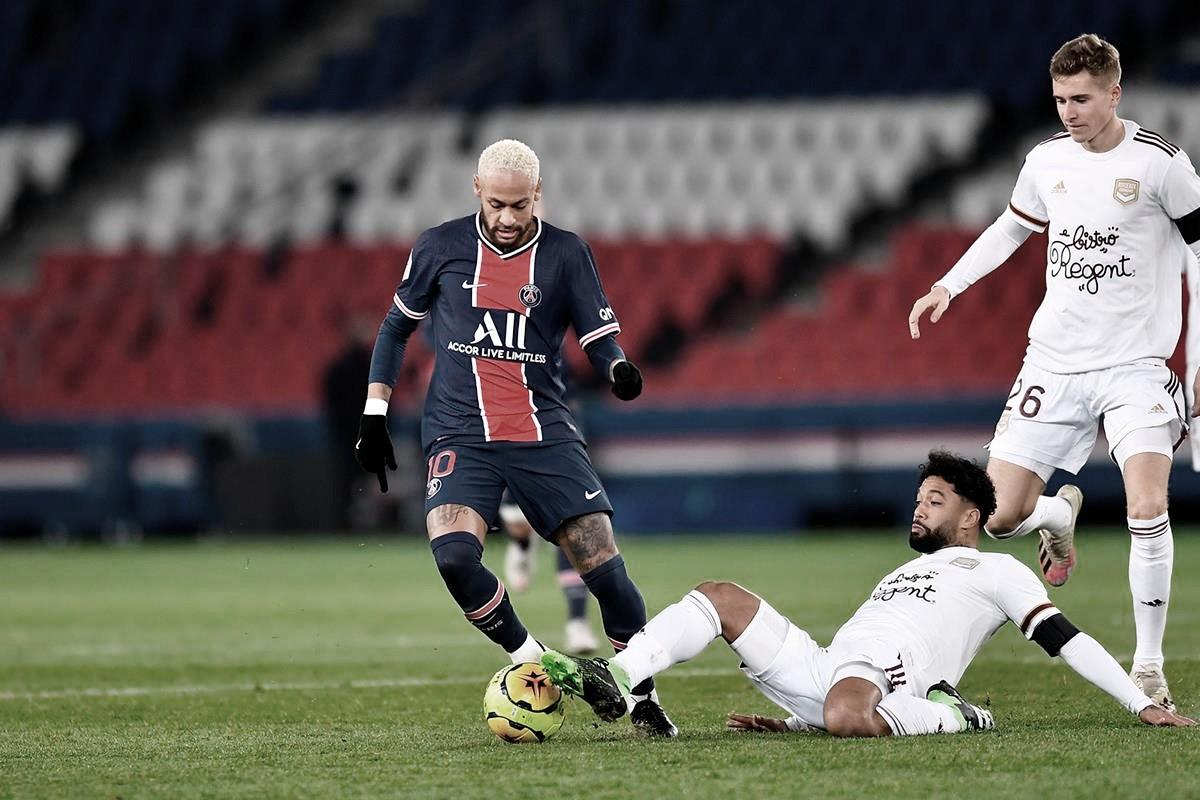 PSG tropeça no Bordeaux e vê liderança do Francês ameaçada