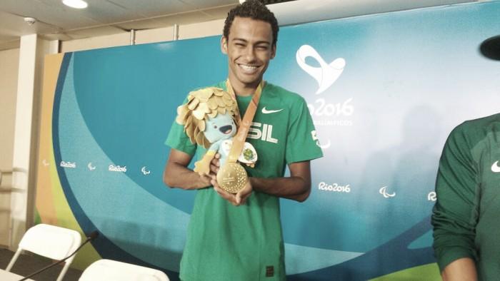 Ouro nos 400m rasos, Daniel Martins exalta apoio da torcida brasileira nos Jogos Paralímpicos