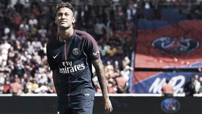 Neymar sancionado con 1,2 millones de dólares por evasión fiscal