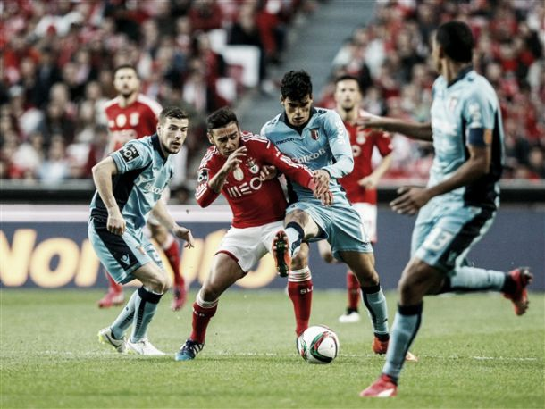 Benfica abafa Braga perante Luz a transbordar
