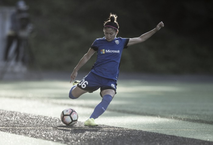 Nahomi Kawasumi re-signs with Seattle Reign FC
