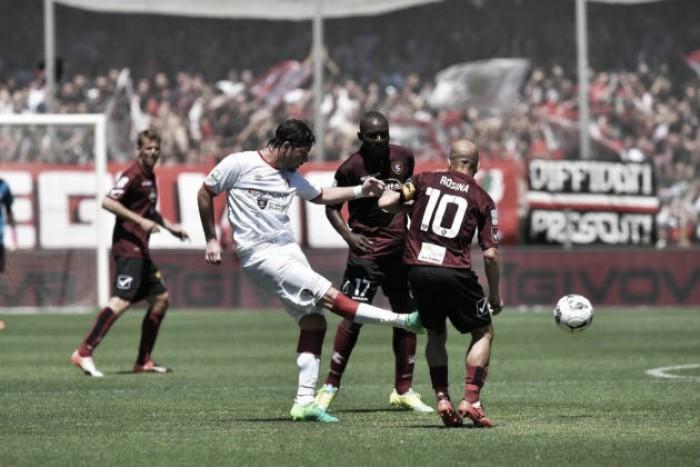 Serie B, Salernitana e Bari decidono di non farsi male. Pari e patta all'Arechi (0-0)
