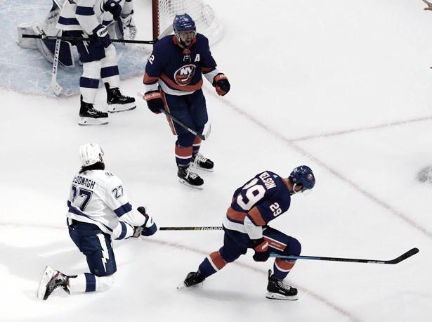 Los Islanders dan señales de vida en el Game 3