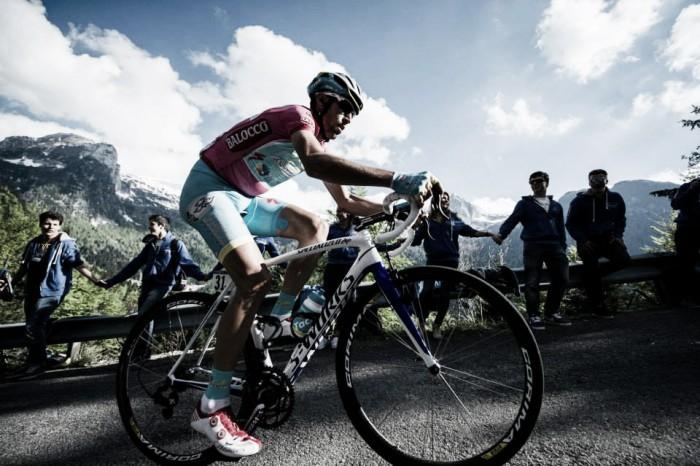Dumoulin prima maglia rosa. Nibali il migliore