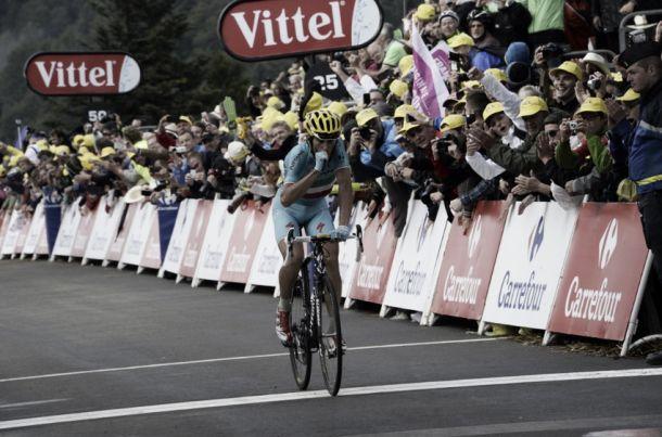 Contador é baixa na chegada em alto de Nibali
