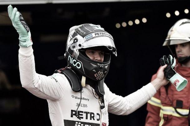 Nico Rosberg se acerca al mito en las calles de Montecarlo