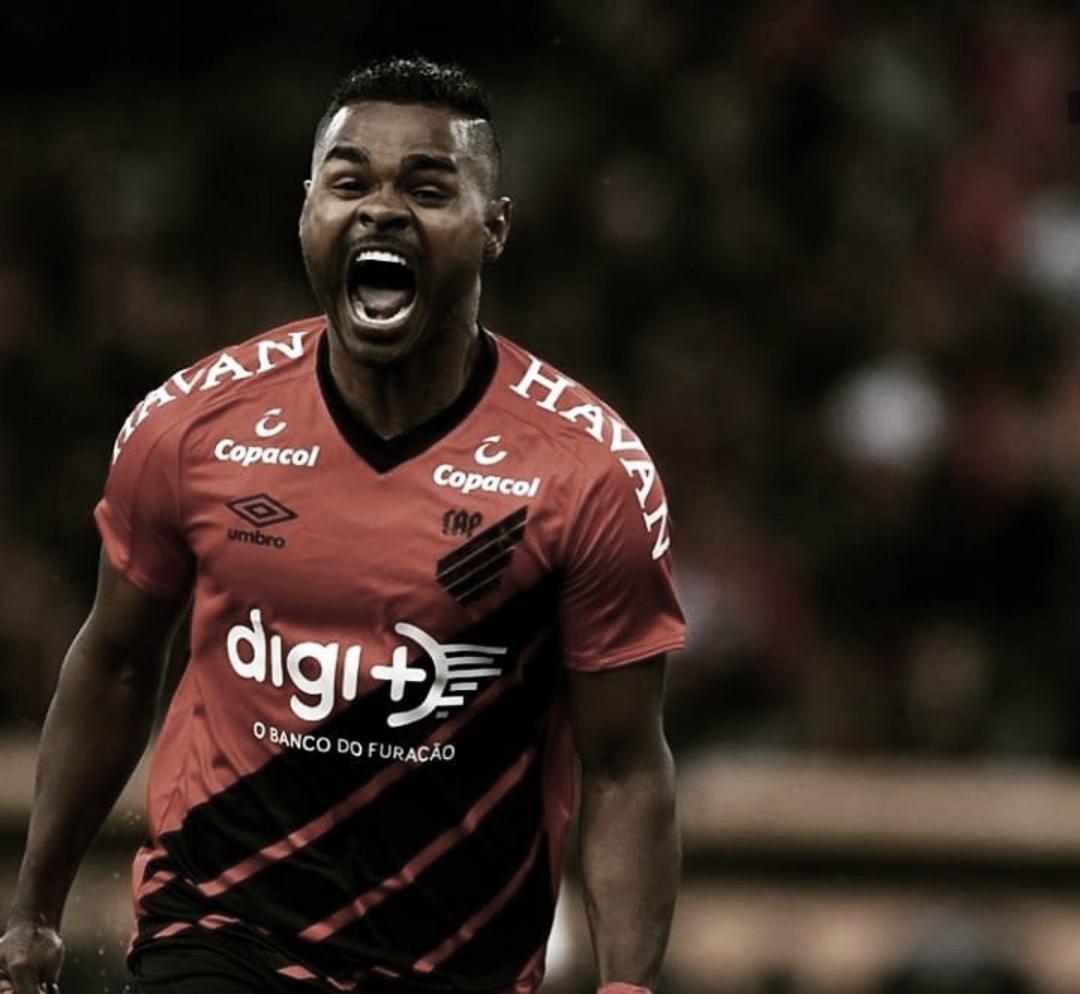 Athletico sai atrás, mas goleia Fortaleza em seu retorno à Arena da Baixada