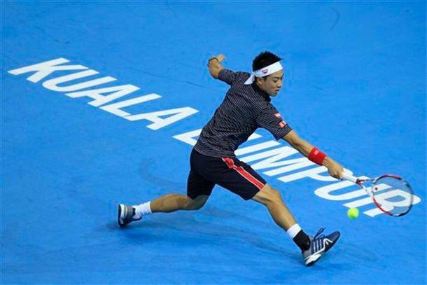 Nishikori avanza firme y Andújar cae