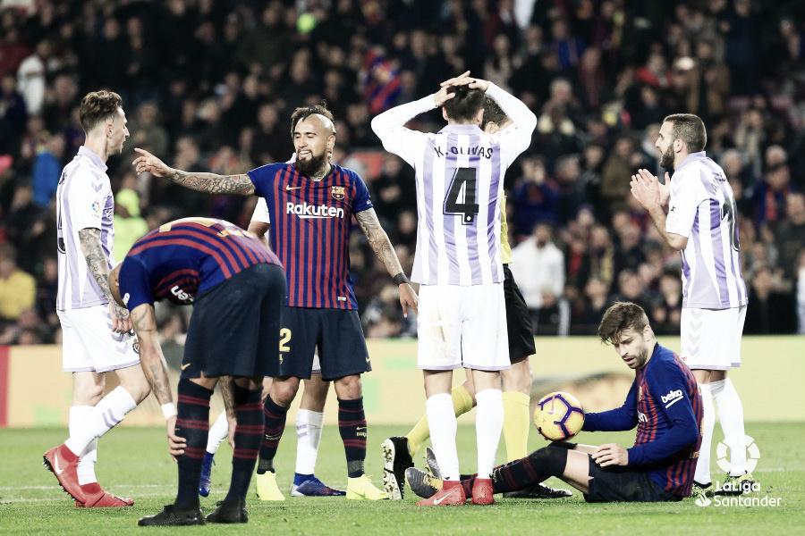 Un buen Pucela pierde en el Camp Nou por un penalti dudoso