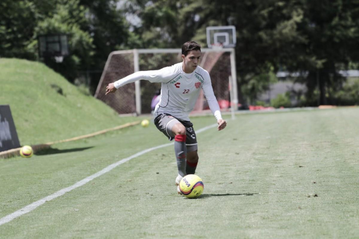 """Sebastián Córdova: """"A buscar el campeonato, ¿por qué no?"""""""