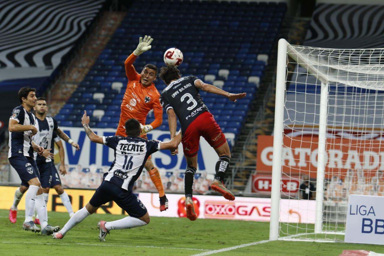 Necaxa rescata el empate en Nuevo León