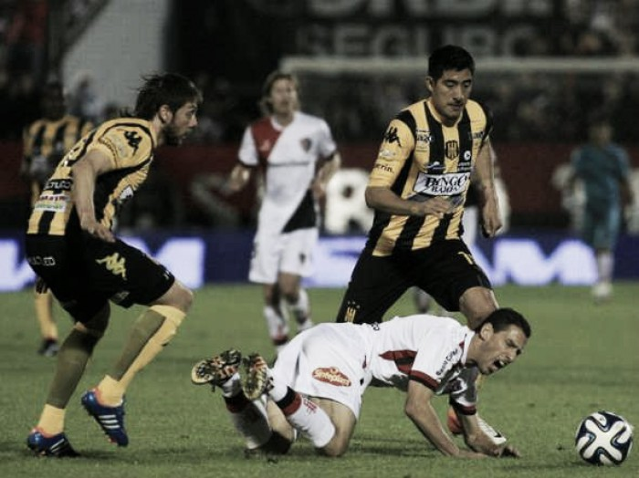 Olimpo cayó 3-2 ante Newell's en Rosario