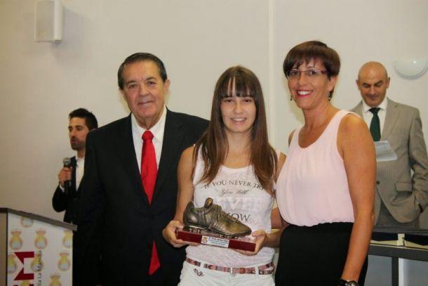 Noelia Abaldea, con la sub-17 - Vavel.com