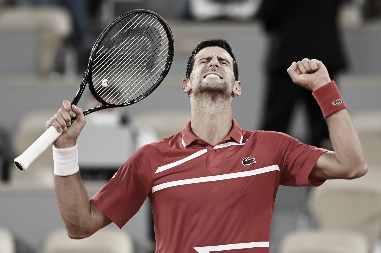 Djokovic supera Berrettini e faz semifinal de Roland Garros contra Nadal