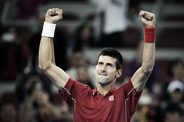 Djokovic se pasea en Pekín
