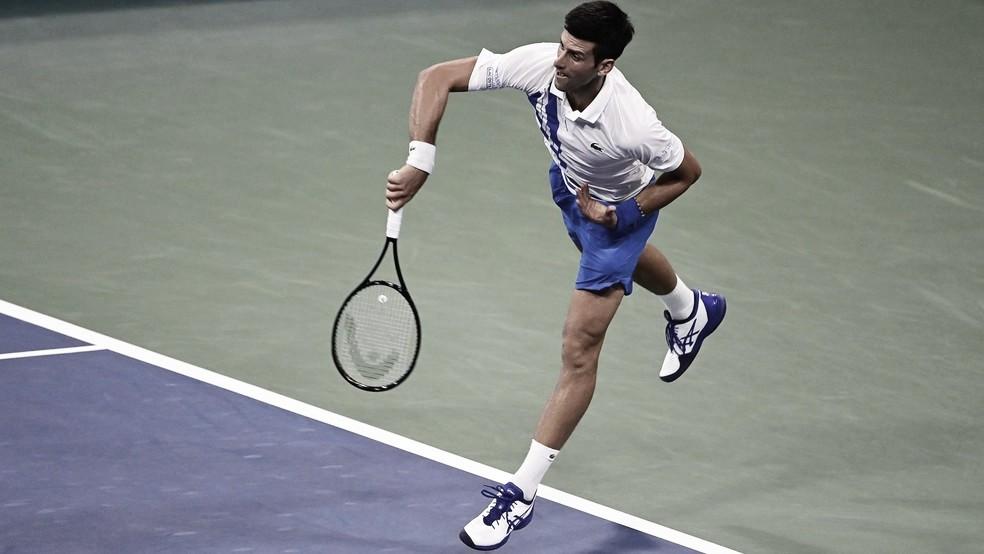 Djokovic supera dores no pescoço, bate Berankis e avança no Masters 1000 de Cincinnati