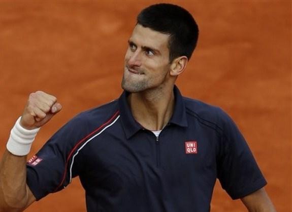 Djokovic raggiunge Nadal in finale a Parigi