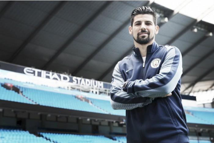 Manchester City bate Barcelona na corrida por Nolito e anuncia atacante por quatro anos