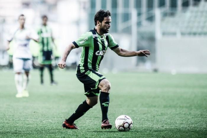 Lateral Norberto e meia Gerson Magrão renovam com América-MG por mais uma temporada
