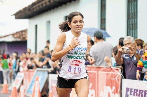 Atletas costarricenses destacaron en el Maratón de Miami