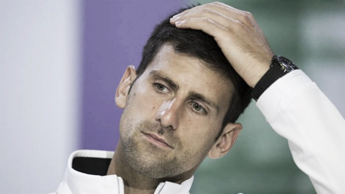 Djokovic se resiente en su codo y es baja en Abu Dhabi