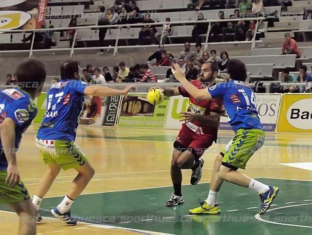 MMT Seguros Zamora - Bada Huesca: huir del descenso