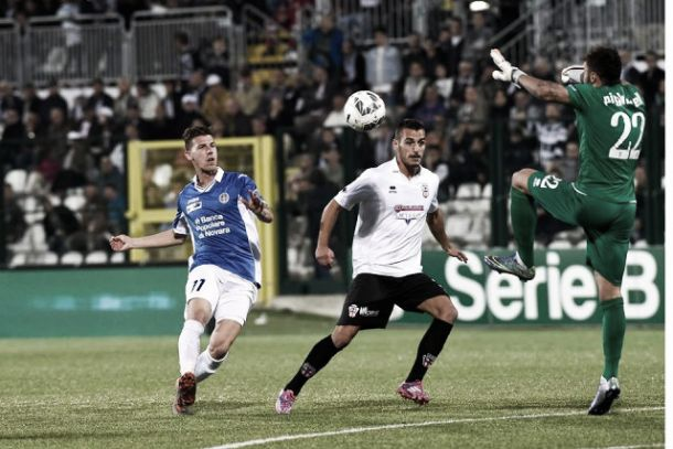 Pro Vercelli - Novara 0-1: decide una stupenda punizione di Viola