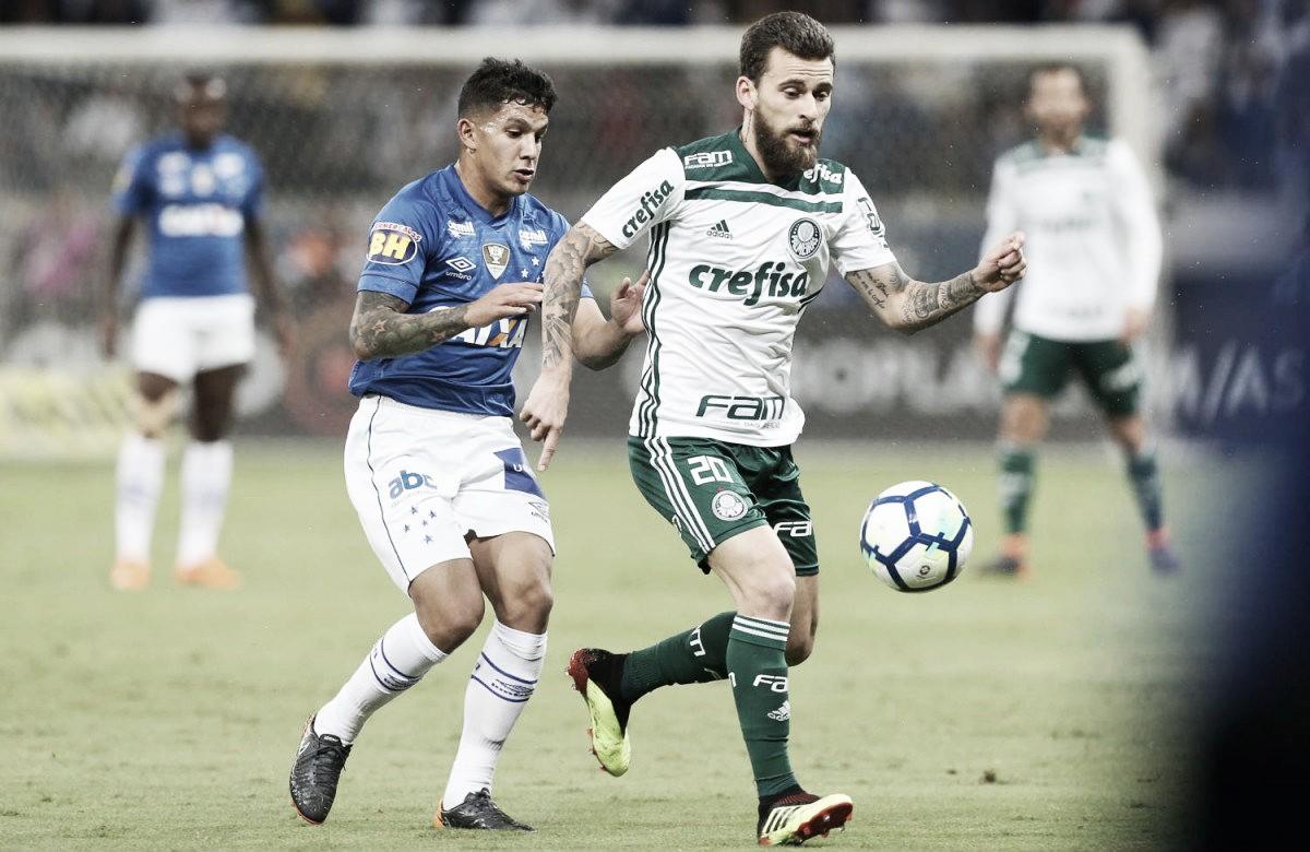 Cruzeiro aproveita chances, vence Palmeiras e alcança G-6 do Brasileiro