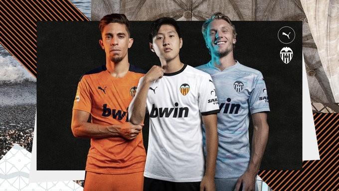 El Valencia presenta sus camisetas para el curso 20/21