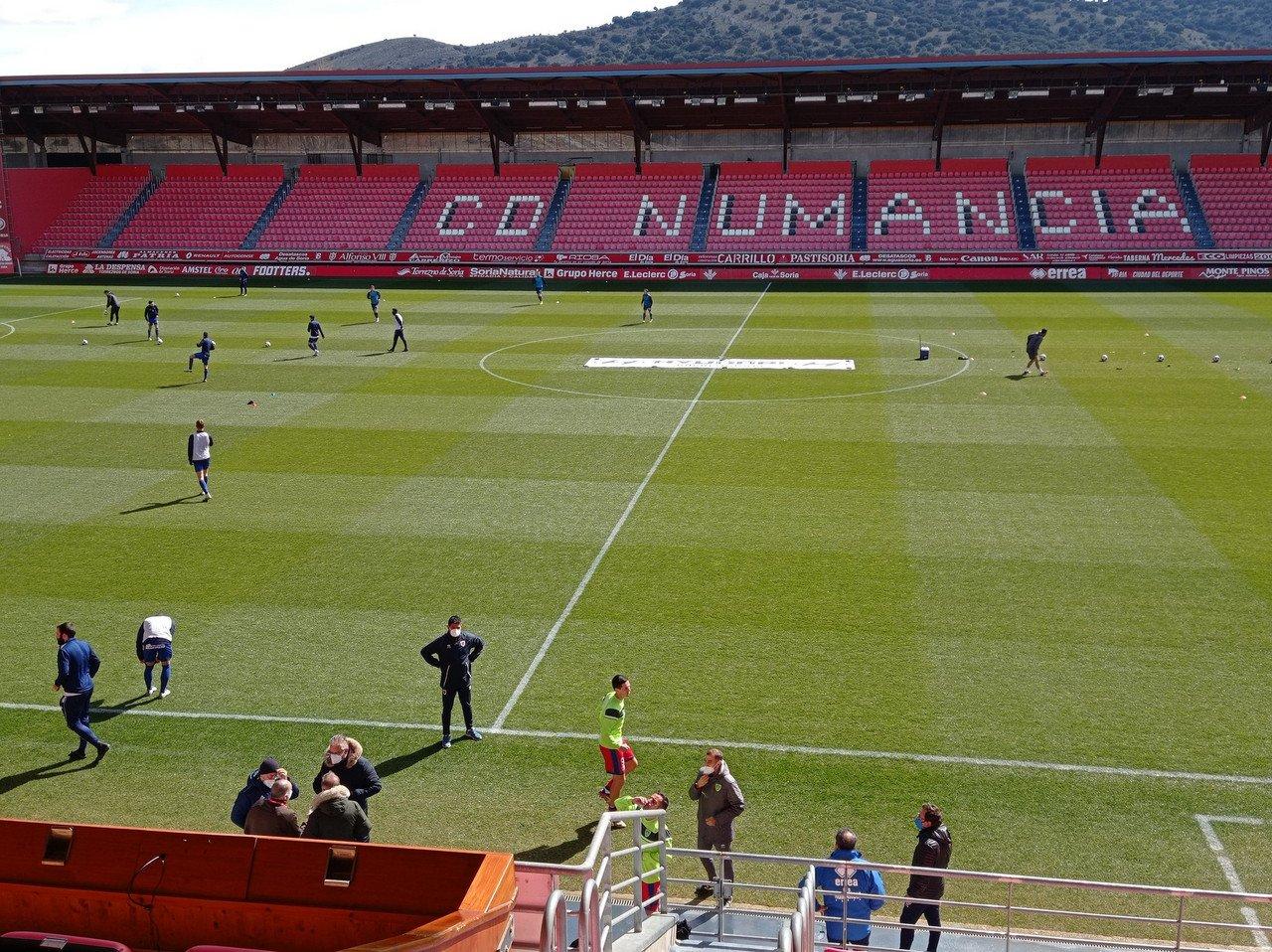 El CD Numancia golea a un triste Covadonga