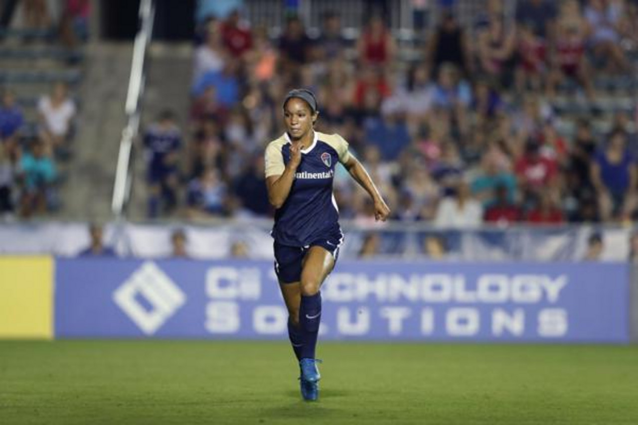 Darian Jenkins traded from the North Carolina Courage to Seattle Reign FC