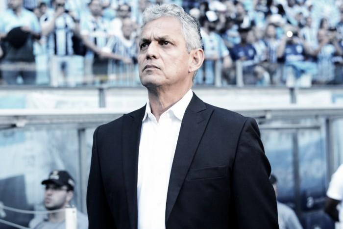 """Rueda assume responsabilidade após revés diante do Grêmio: """"Hoje, perdi o jogo"""""""