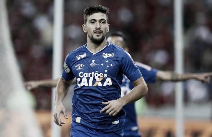 Com retorno de Arrascaeta, Mano Menezes esboça time para partida contra Coritiba