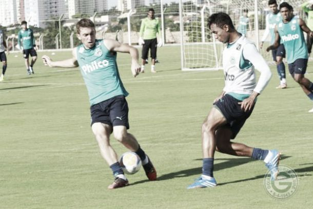 Figueirense recebe o Goiás no retorno do Orlando Scarpelli