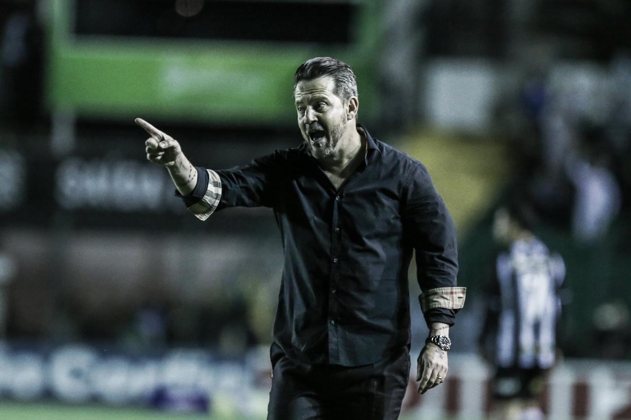 """Argel amarga empate com Figueirense e faz balanço sobre campeonato: """"Estamos vivos"""""""