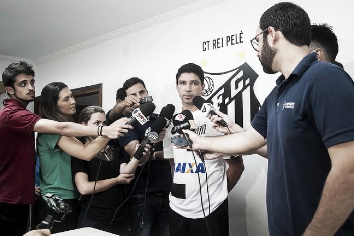 Pelé posta mensagem de apoio a Jair Ventura, novo técnico do Santos
