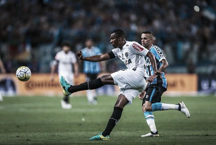 Atlético-MG confirma empréstimo de zagueiro Erazo ao Vasco