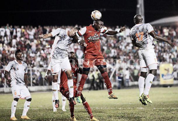 Resultado Envigado - Cortuluá en la Liga Águila 2015-II (1-2)