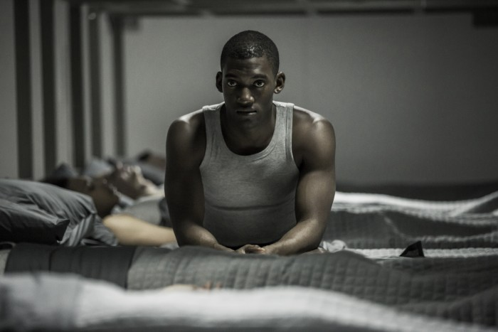 CRÍTICA: Black Mirror 03x05 - Men Against Fire