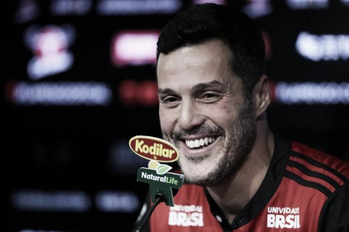 """Júlio César destaca alegria em retorno ao Flamengo: """"Faz parte da minha formação"""""""