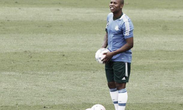 Criciúma acerta empréstimo de Luís Felipe junto ao Benfica