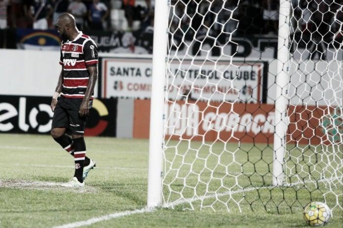 Ex-líder, Santa Cruz é o primeiro rebaixado do Campeonato Brasileiro