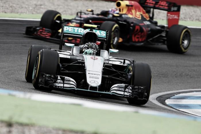 Red Bull pone el punto de mira a Mercedes