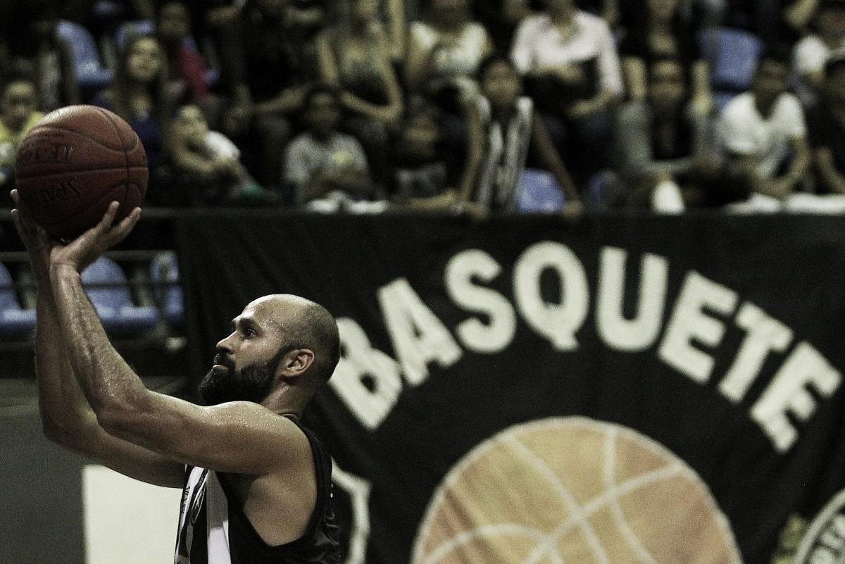 """Referência do Botafogo no NBB, Arnaldinho comenta lesão: """"Foram três meses de angústia"""""""